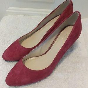 Size 6B Cole Haan suede rose color heels